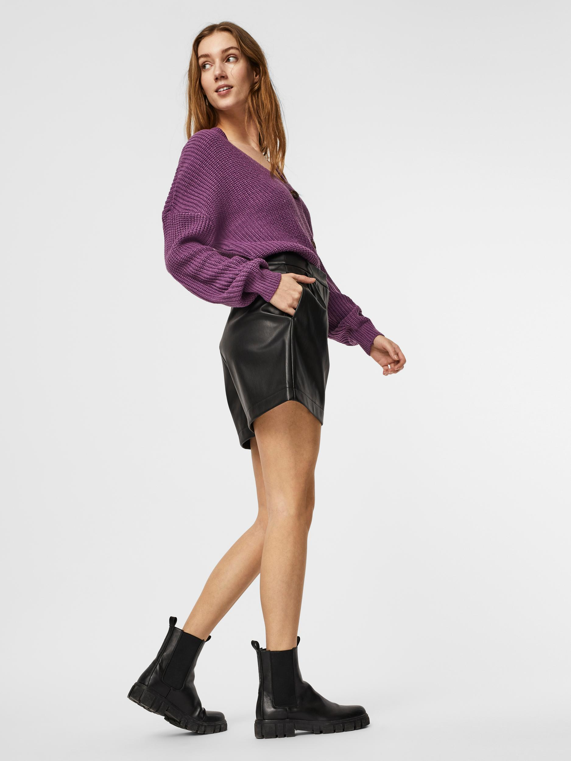 Vero Moda Coated Shorts Solafie